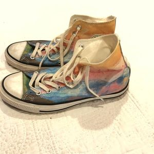 Limited edition Mountain View converse